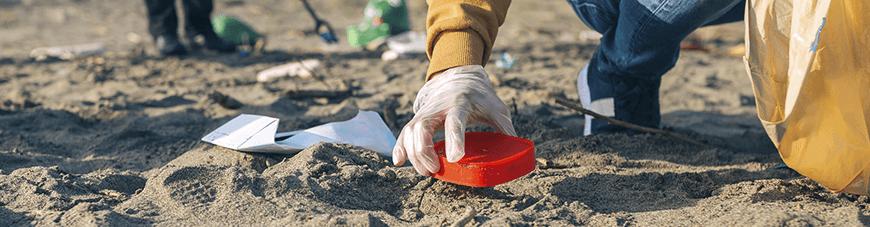 Jóvenes del PreuPDV unidos por una costa libre de desechos