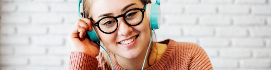 Ex alumnos cuentan su experiencia con clases vía streaming de Preu PDV